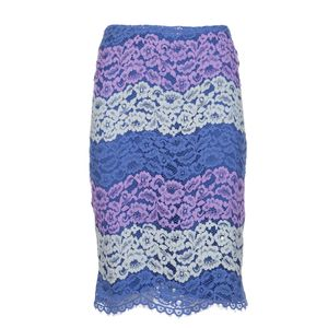 Skirt with floral lace pattern