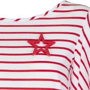 Maglietta a righe bianche e rosse e fondo plissettato