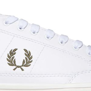 Deuce sneakers in leather with contrasting logo