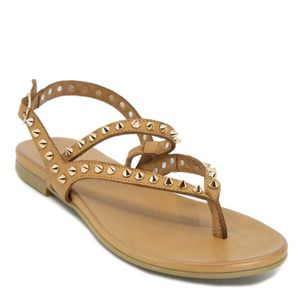 Low sandal in leather with studs