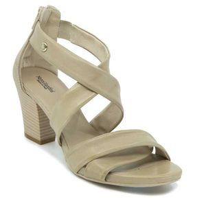 Leather sandal with heel
