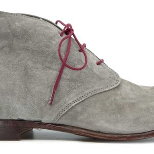 Shoes in gray suede leather