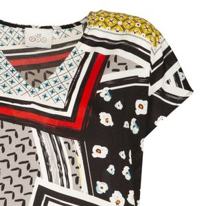 Flared blouse with Liberia print