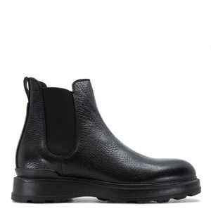 Ankle boot in black tumbled leather