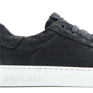 Low Top sneakers in black leather