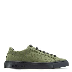 Low Top sneakers in green leather
