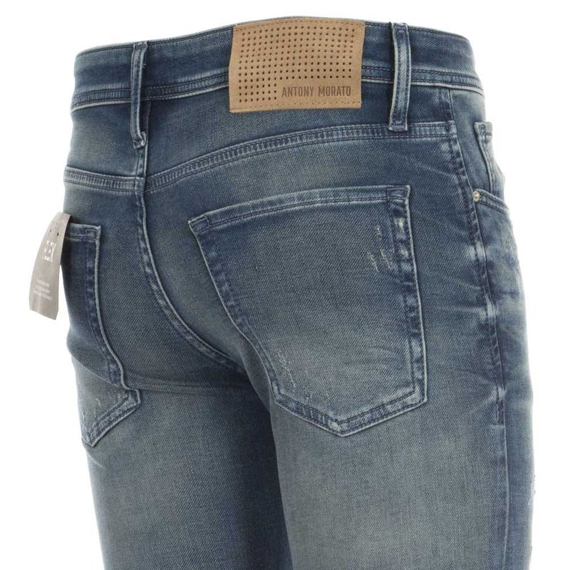 Jeans_Tapered_Ozzy_con_abrasioni_31_5