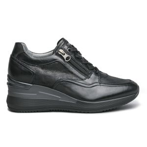 Sneakers nera con zip e suola over