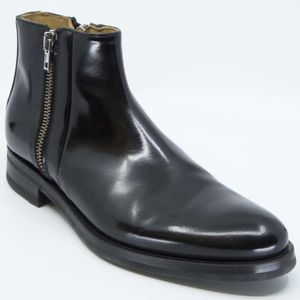 Smooth leather ankle boot with double zip