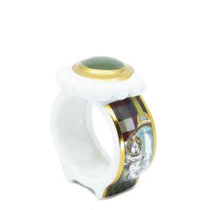 Napkin holder in ceramic