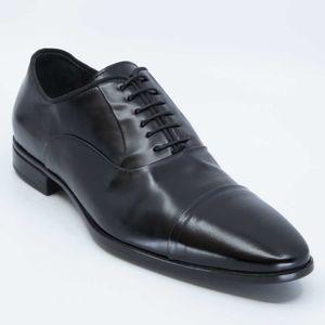 Matte black patent leather lace-up