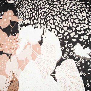 Foulard nero con stampa leopardo