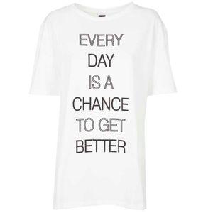 T-shirt oversize con maxi logo