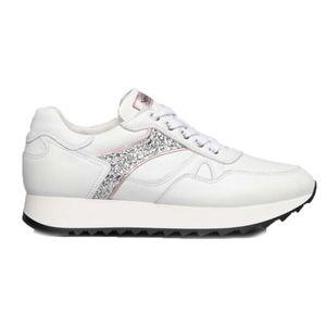 Sneakers bianca con suola oversize