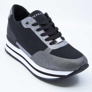 Sneakers Reyes