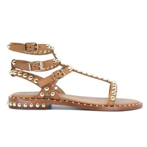 Play sandal in leather with studs