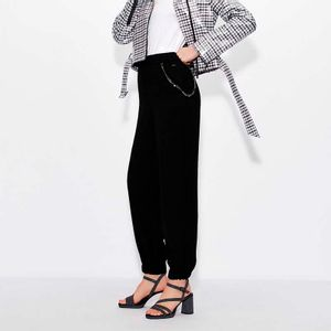 Jogger trousers with chain