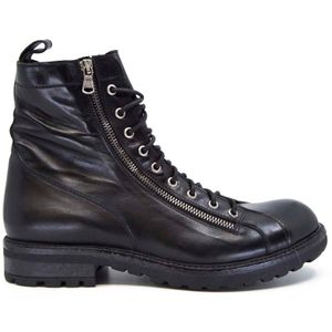 Papua amphibian with double zip and laces