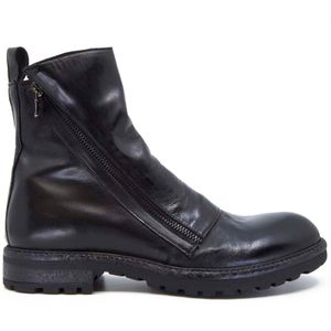 Papua ankle boot with oblique zip