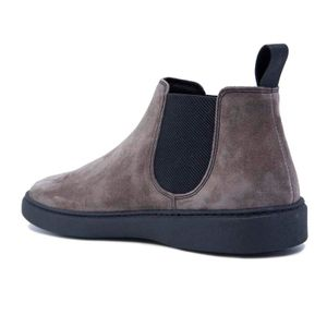 Waxy ankle boot in suede